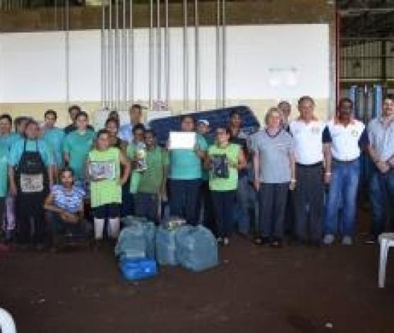 Imagem retirada de http://sertaozinho.sp.gov.br/conteudo/corserta-e-beneficiada-com-doacao-do-rotary-club-de-sertaozinho-aparecida.html#.XJIz5aCnfcc
