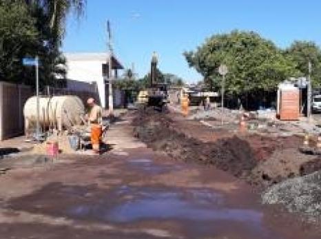 SAEMAS implanta nova rede coletora de esgoto na região central da cidade