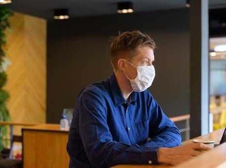 Covid-19: máscara é item obrigatório fora de casa